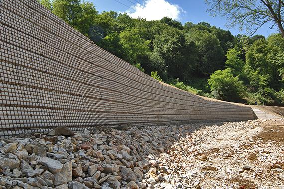 Sajóvelezd - Talajtámfal építés a 2527. számú ök út 0+702-0+802 kmsz közötti szakaszán